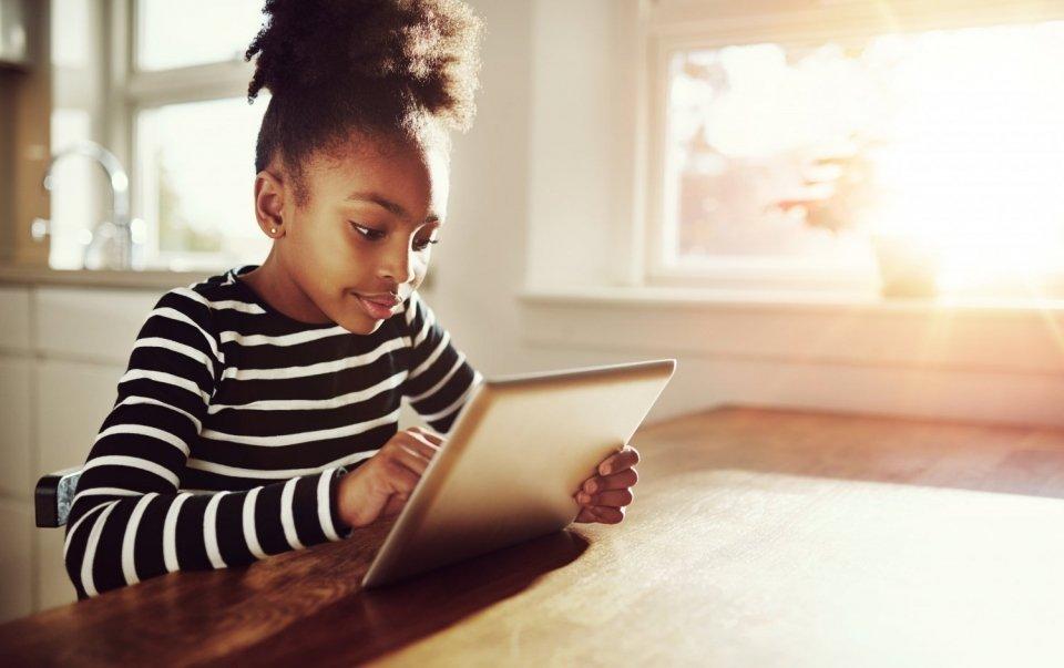 girl tablet